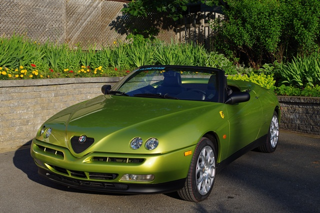 sold alfa romeo spider 916 verde acido. Black Bedroom Furniture Sets. Home Design Ideas